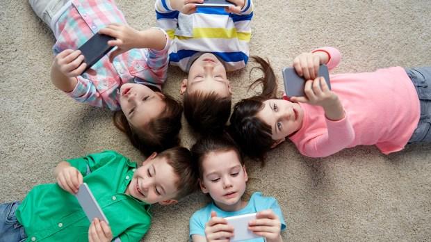 """Los más chicos de esta generación nacieron en la era digital: son """"puramente digitales"""" (Shutterstock)"""