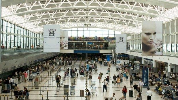 También hay ofertas de vuelos para viajar fuera de la Argentina en temporada baja (Shutterstock)