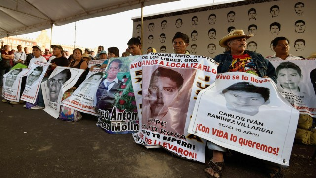 Las armas alemanas llegaron a manos de la policía de Iguala que atacó a los normalistas de Ayotzinapa. (AFP)