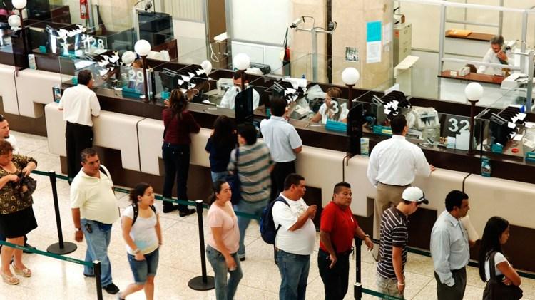 La exposición a los vaivenes locales y del mundo impactó en los bancos