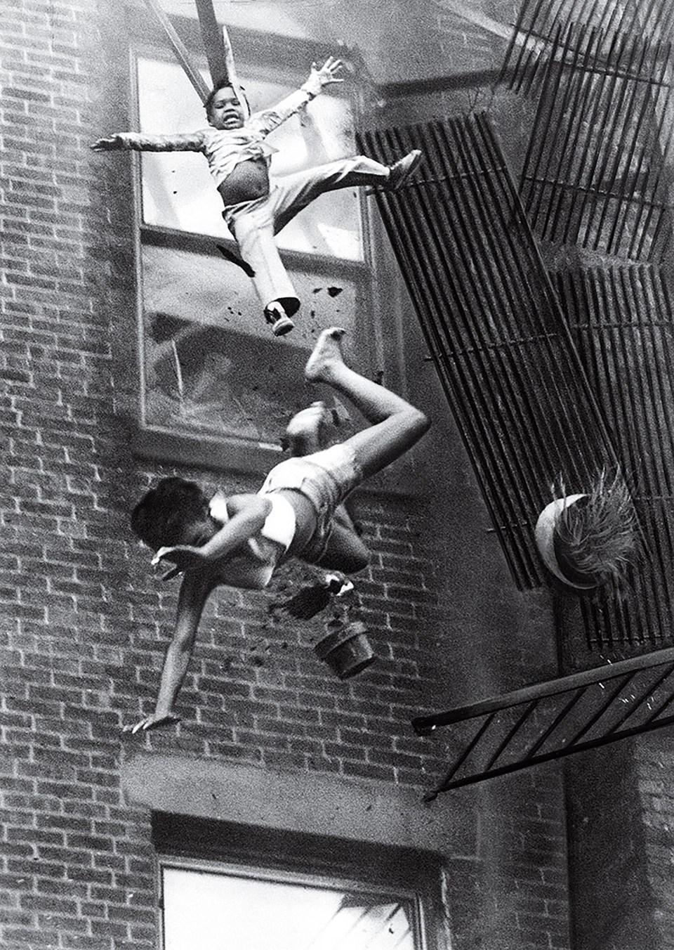 """""""Colapso de la salida de incendios"""" (Stanley Forman, Estados Unidos, 1975)"""