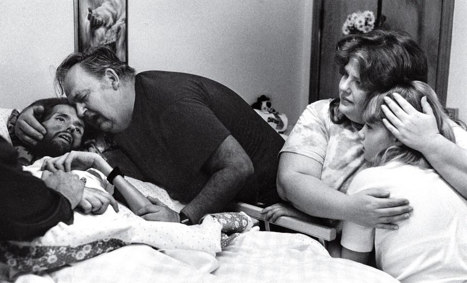 """La cara del SIDA"" (Therese Frare, 1990)"