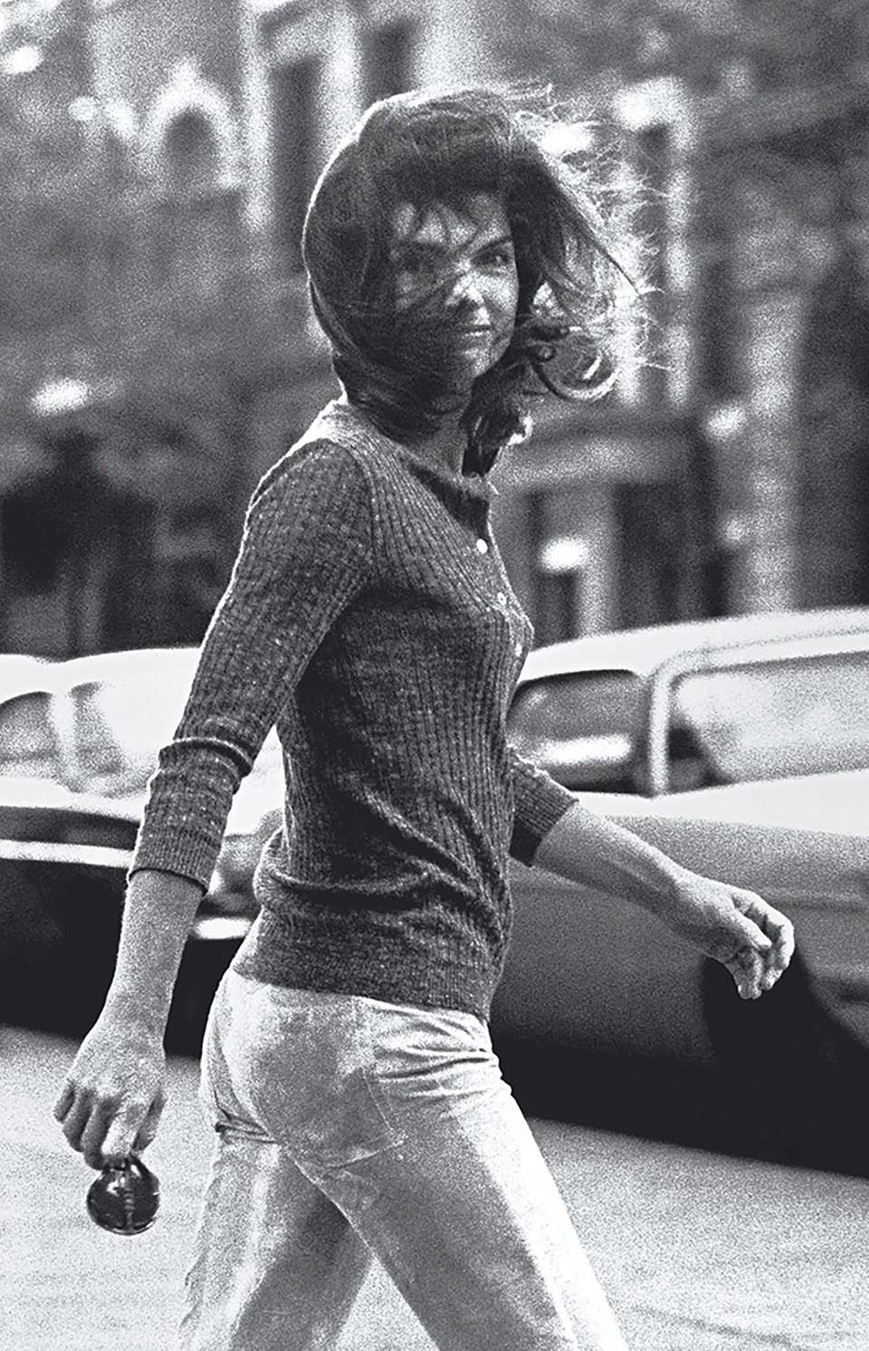 """""""Jacky al viento"""" (Ron Galella, 1971)"""