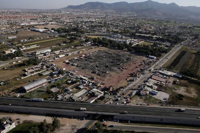 Vista aérea del mercado pirotécnico de San Pablito, en Tultepec, Mexico, que se incendió el 21 de dicembre y dejó al menos 35 muertos. REUTERS/Henry Romero