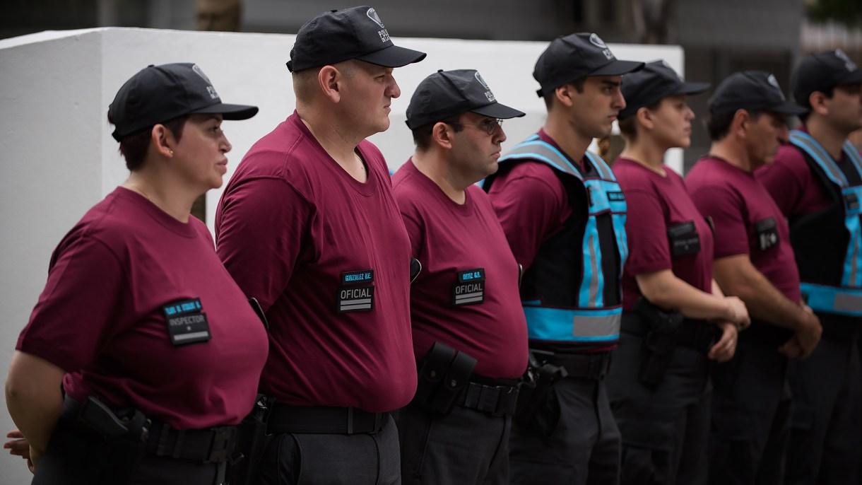 Agente de la Policía de la Ciudad (Foto: Adrián Escandar)