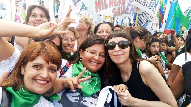 Florencia Kirchner durante una movilización en 2017 (foto de archivo: @la_campora)