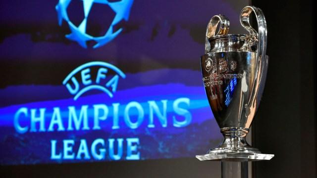 El tradicional trofeo de la UEFA Champions League que será levantado nuevamente el 1 de junio de 2019 (AFP)