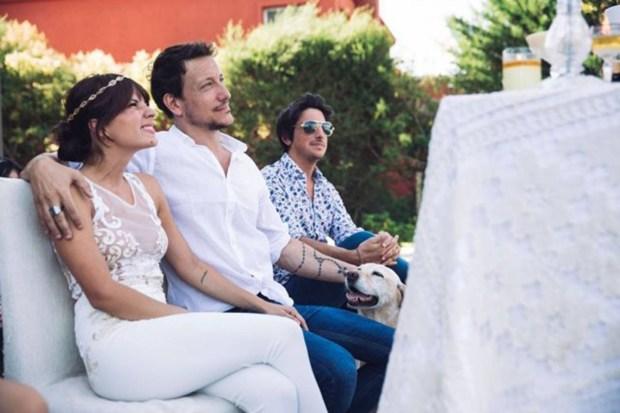 Gimena yNico en su boda, con Santi de testigo