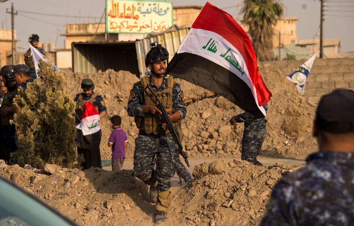 """Tropas de Irak festejan la """"liberación"""" de una parte de Mosul el 9 de julio de 2017 (AFP PHOTO / FADEL SENNA)"""