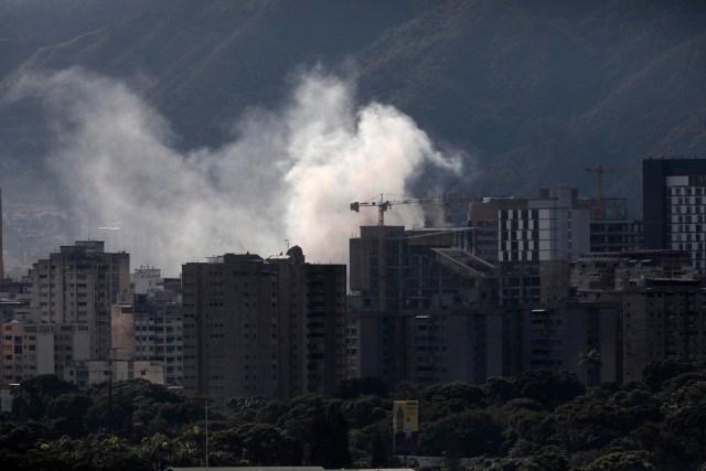 Humo en Caracas. Una escena que parece extraída de Medio Oriente (Reuters)