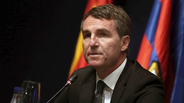Robert Fernández, secretario técnico de Barcelona, fue al Monumental para ver a jóvenes talentos (EFE)