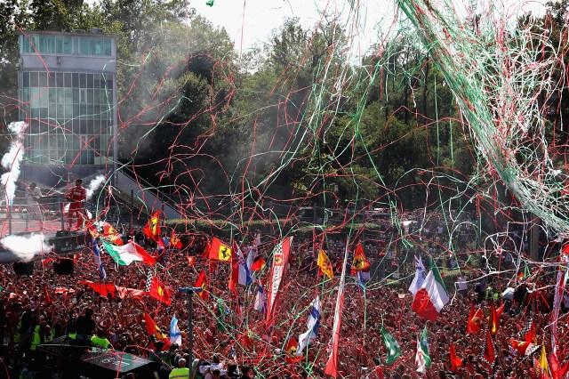 Miles de Fanáticos se acercaron para celebrar en el histórico circuito
