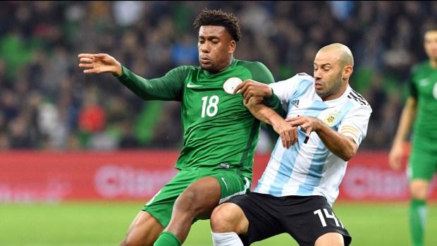 Javier Mascherano sufrió un desgarro en el duelo ante Nigeria