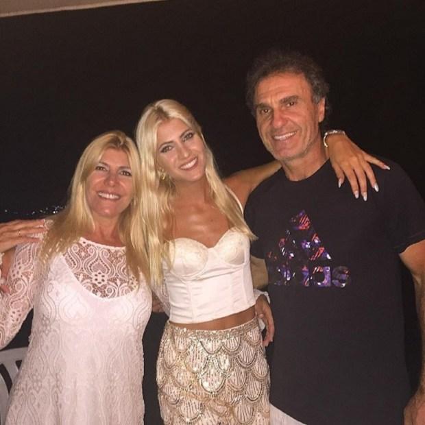 La modelo comparte fotos familiares en las redes sociales