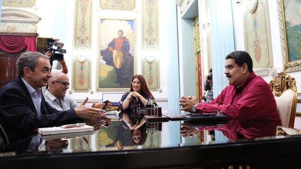 José Luis Rodríguez Zapatero junto a Nicolás Maduro
