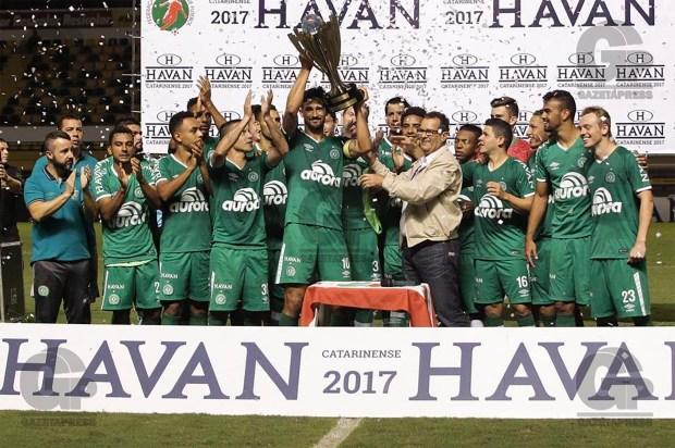 Con un equipo totalmente nuevo el Chapecoense pudo celebrar en el campeonato catarinense