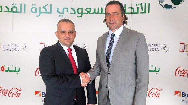 Juan Antonio Pizzi firmó su contrato con la Federación de Fútbol de Arabia Saudita
