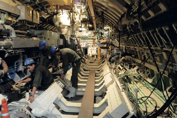 El interior del submarino cuando estaba siendo restaurado. Foto: Alejandro Carra/GENTE