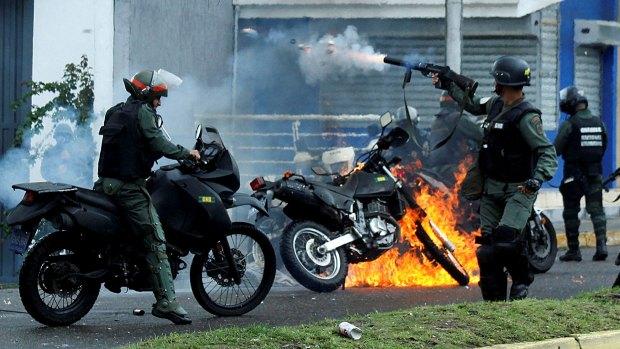 El régimen de Nicolás Maduro reprimió a la población civil durante las protestas opositoras
