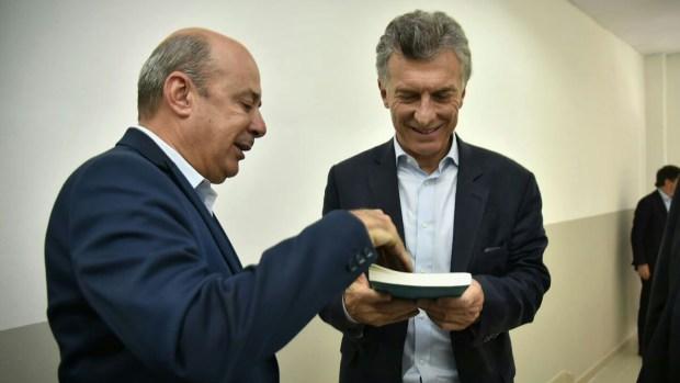 El presidente Mauricio Macri junto al vicegobernador Gustavo Canteros