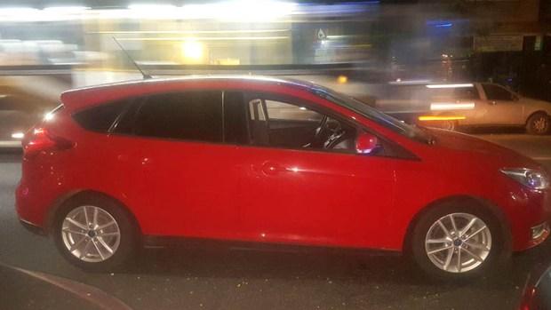 El auto en el que se movilizaban los delincuentes