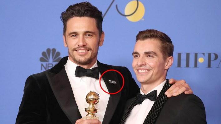 James Franco recibe el Globo de Oro junto a su hermano Dave (Getty)