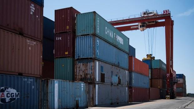 Argentina pasó de un superávit comercial de casi USD 2.000 millones en 2016 a un déficit de más de USD 8.000 millones en 2017 (Adrián Escandar)