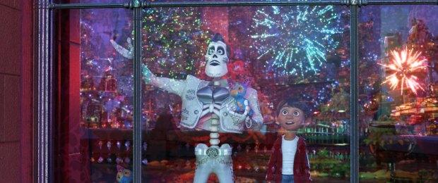 Ernesto de la Cruz junto a Miguel. Foto: Disney-Pixar