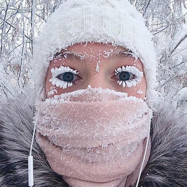 La usuaria de Instagram @gremsey subió esta imágen de la ciudad de Yakutsk con las pestañas congeladas por el frío