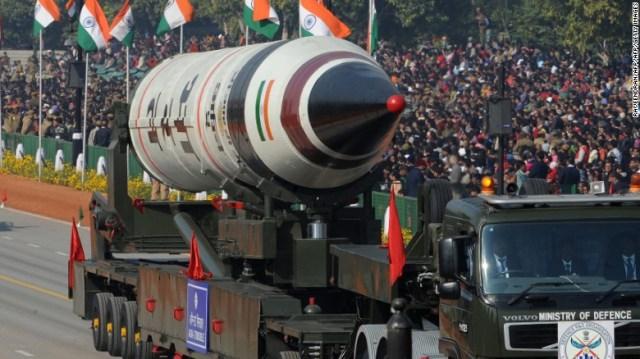 Un misil Agni V durante un desfile en el Día de la República en 2013 en Nueva Dehli