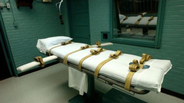 """La pena de muerte no es inconstitucional """"per se"""", pero es """"inválida porque se aplica de una manera arbitraria y con un prejuicio racista"""", estimó el máximo tribunal en un fallo unánime"""