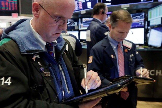 Inversores de Wall Street, a ala expectativa (AP)