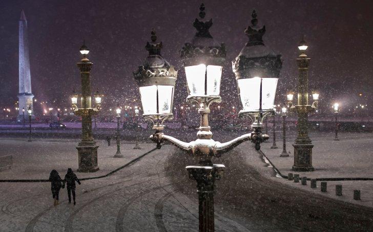الزوج الذي يمشي، خل، ال التعريف، رسوم المرور، دي، لا، كونكورديا، مؤمن عليه، بجانب، تساقط الثلج، (إيف / إيان، لانغسدون)
