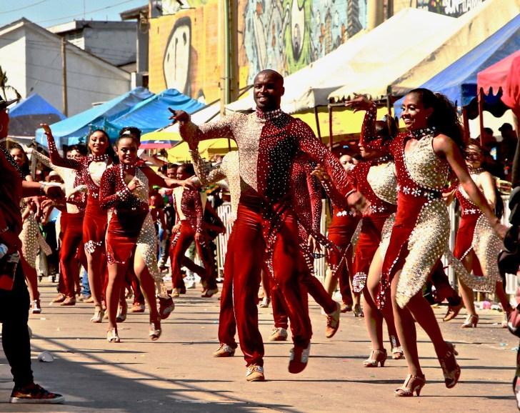 و فجر لاتينو الابن السالسا في كومبيودرومو.  وقد فازوا في الكونغو دي أورو في الطبعات السابقة من الكرنفال