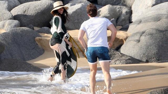 La pareja disfrutó del atardecer frente al mar.(Grosby Group)