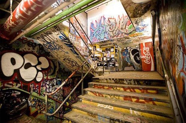 Un grupo de graffiteros fue infemnizado por su arte en el galpón 5Pointz de Queens