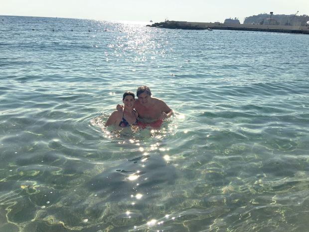 Disfrutando del mar en la costa de Mónaco. (Foto Instagram)