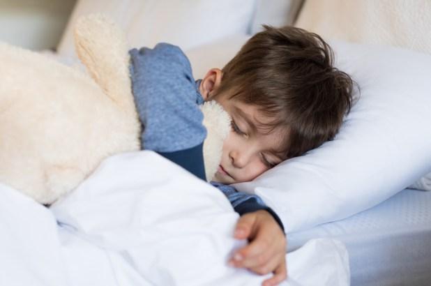 Entre los dos y los cinco años, los niños están la mitad del tiempo despiertos y la mitad durmiendo. Y durante el resto de la infancia, y hasta la adolescencia, el sueño ocupa el 40% del día