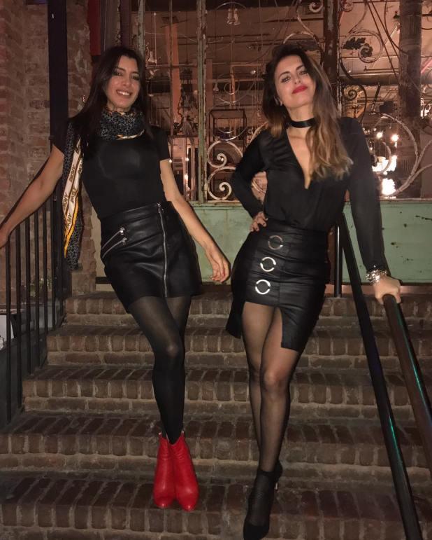 Silvina Luna y su amiga en la puerta de ABC Cocina. (Foto Instagram)