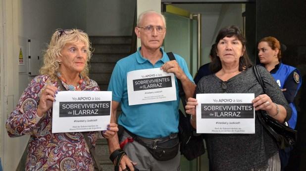 Familiares y víctimas de los abusos de Illaraz (Foto: Télam)