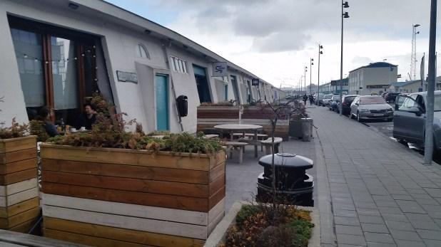 Zona de bares y restaurantes en el antiguo puerto