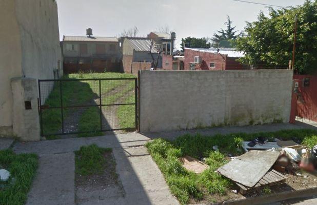 Garibaldi 6067, San Fernando, Buenos Aires, Argentina. En ese terreno estaba la vivienda donde vivió por 10 años Adolf Eichmann. Su familia continuó viviendo allí, hasta que decidieron demoler la casa en 2001