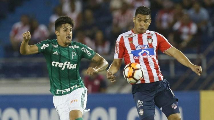 Palmeiras le ganó 3-0 a Junior en Colombia en el debut copero