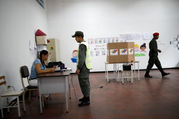 Los miembros de las fuerzas armadas sí cumplieron desde la apertura con el mandato chavista (Reuters)