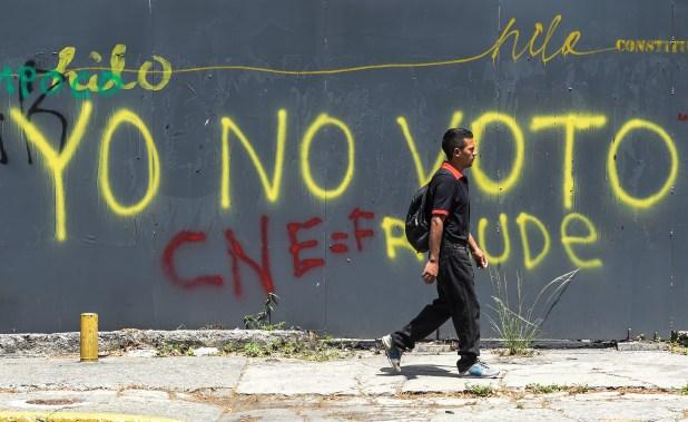 El CNE está fuertemente desprestigiado por su adhesión al oficialismo (AFP)