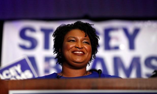 Además de su carrera política, Stacey Abrams es una escritora exitosa. (AP Photo/John Bazemore)