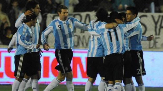 Ortega, Insaurralde, Palermo, Goltz y otros jugadores argentinos que protagonizaron el 4 a 0 en Cutral Có