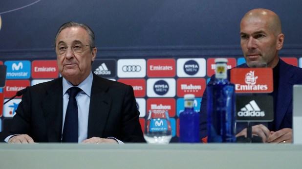 Zinedine Zidane comunicó su adiós junto a Florentino Pérez (Reuters)