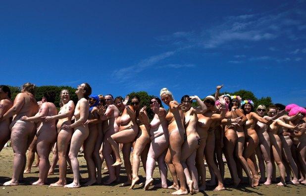 La actividad reunió cerca de USD 40 mil para una organización benéfica irlandesa, Aoibheann's Pink Tie