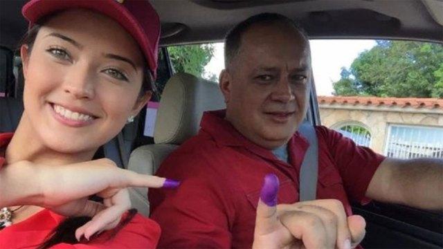 Diosdado cabello y su hija Daniella arengan casi a diario a los simpatizantes chavistas desde sus cuentas en las redes sociales